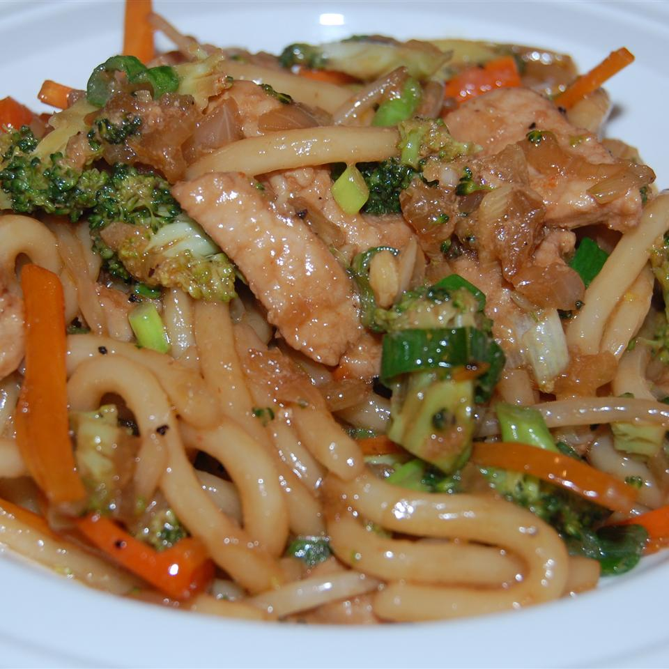Spicy Stir-Fried Udon Noodles Raquel Teixeira