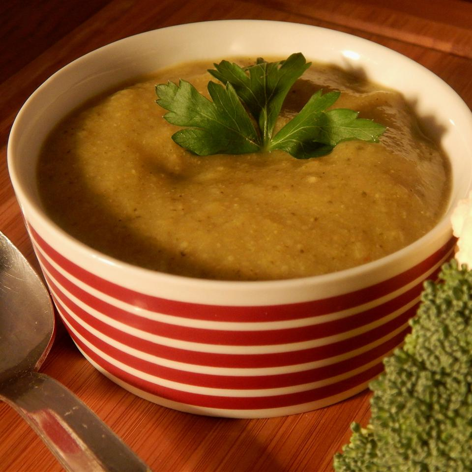 Vegetarian Broccoli and Cauliflower Soup