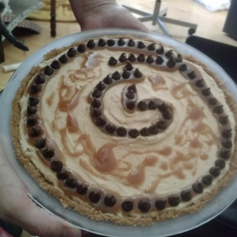 Light and Fluffy Peanut Butter Pie