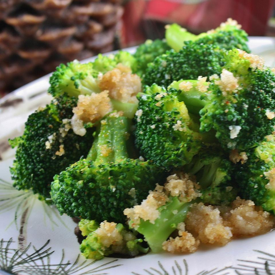 Broccoli with Buttery Crumbs Jennifer Hanson