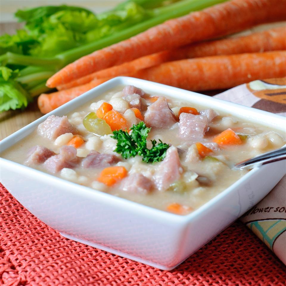 Navy Bean Soup with Ham KGora