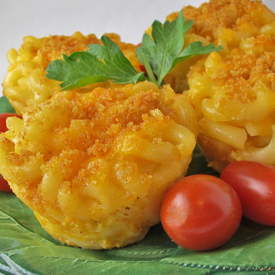 Easy Mac and Cheese Muffins naples34102
