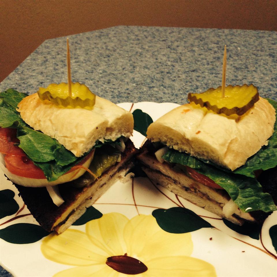 Traditional Indiana Breaded Tenderloin Sandwich SUNFLWR24L