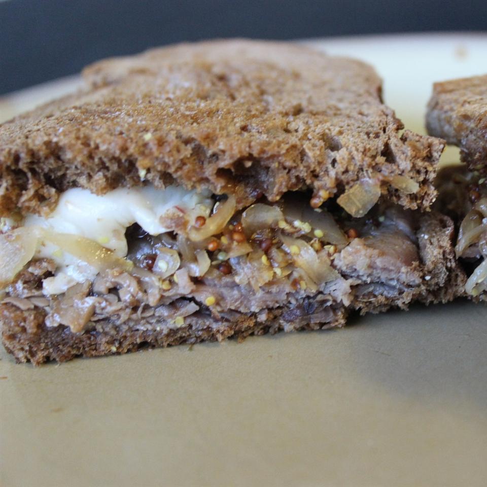 Open-Faced Hot Roast Beef Sandwich mommyluvs2cook