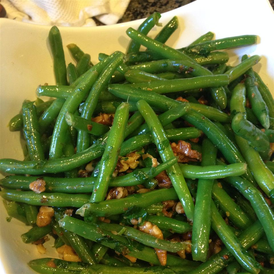 Green Beans With Walnuts JuliKhash