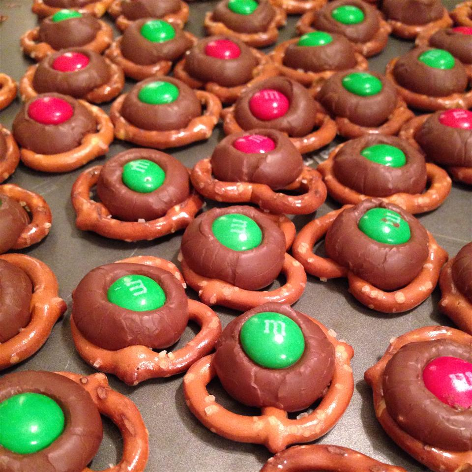 Chocolate Pretzel Treats chrissy