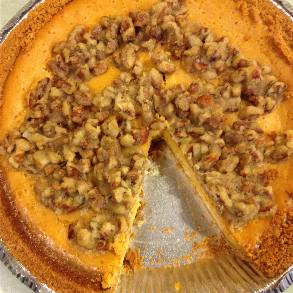Pumpkin Pecan Cheesecake linzstrand
