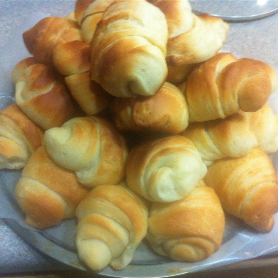 Colleen's Potato Crescent Rolls