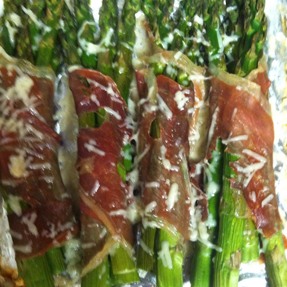 Prosciutto Wrapped Asparagus foshking