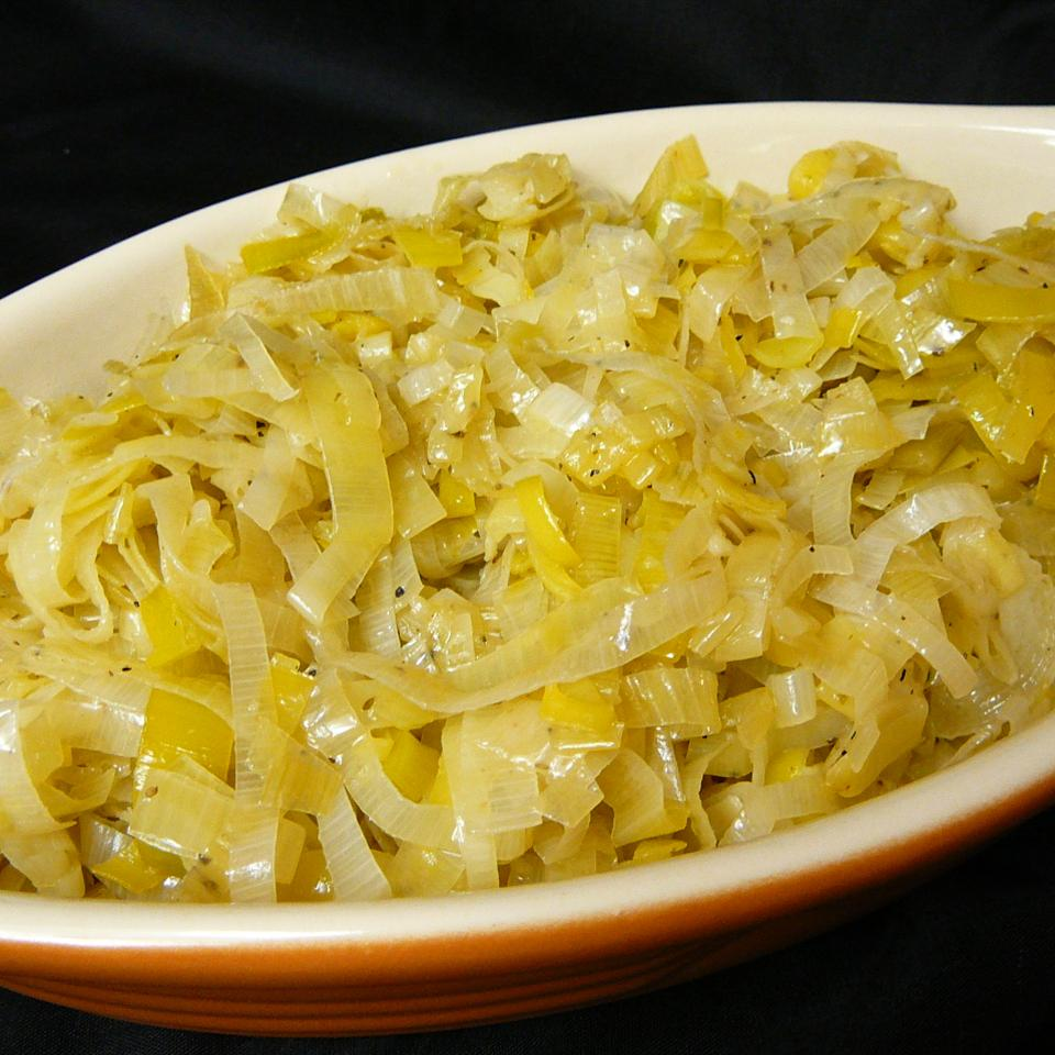 Mediterranean Style Leeks with Lemon