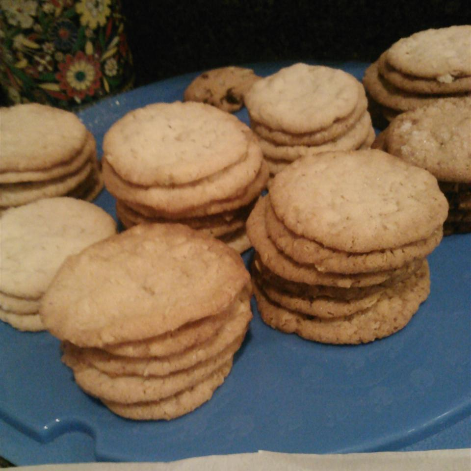 Aunt Gail's Oatmeal Lace Cookies Nancy Olive Andtheroaddog