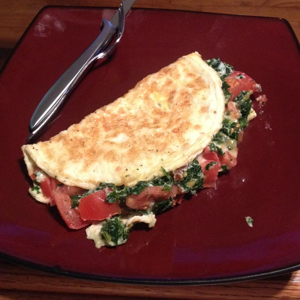 Spinach, Tomato, and Feta Egg White Omelette