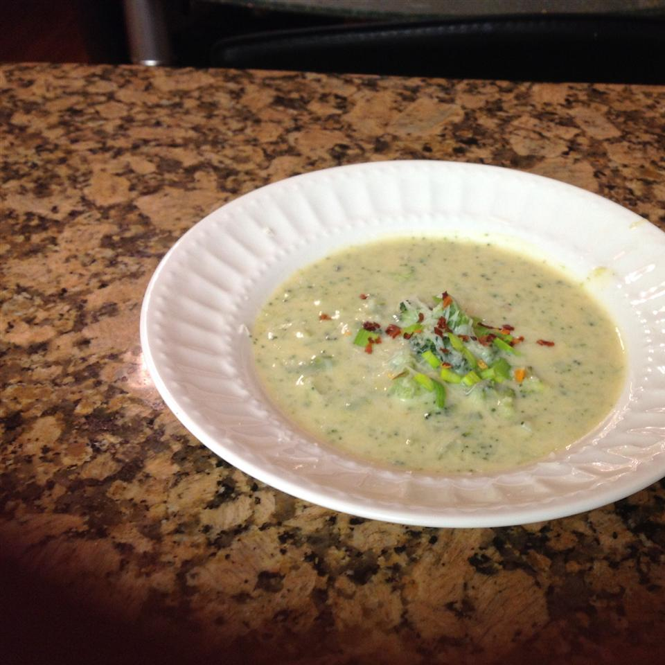 Low Fat Full Flavor Cream of Broccoli Soup