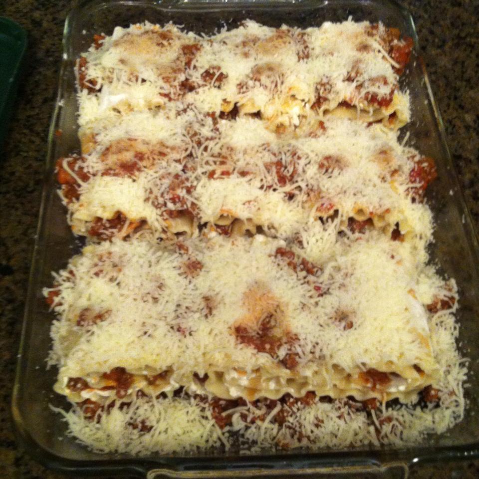 Beefy Lasagna Roll-Ups NClendenon
