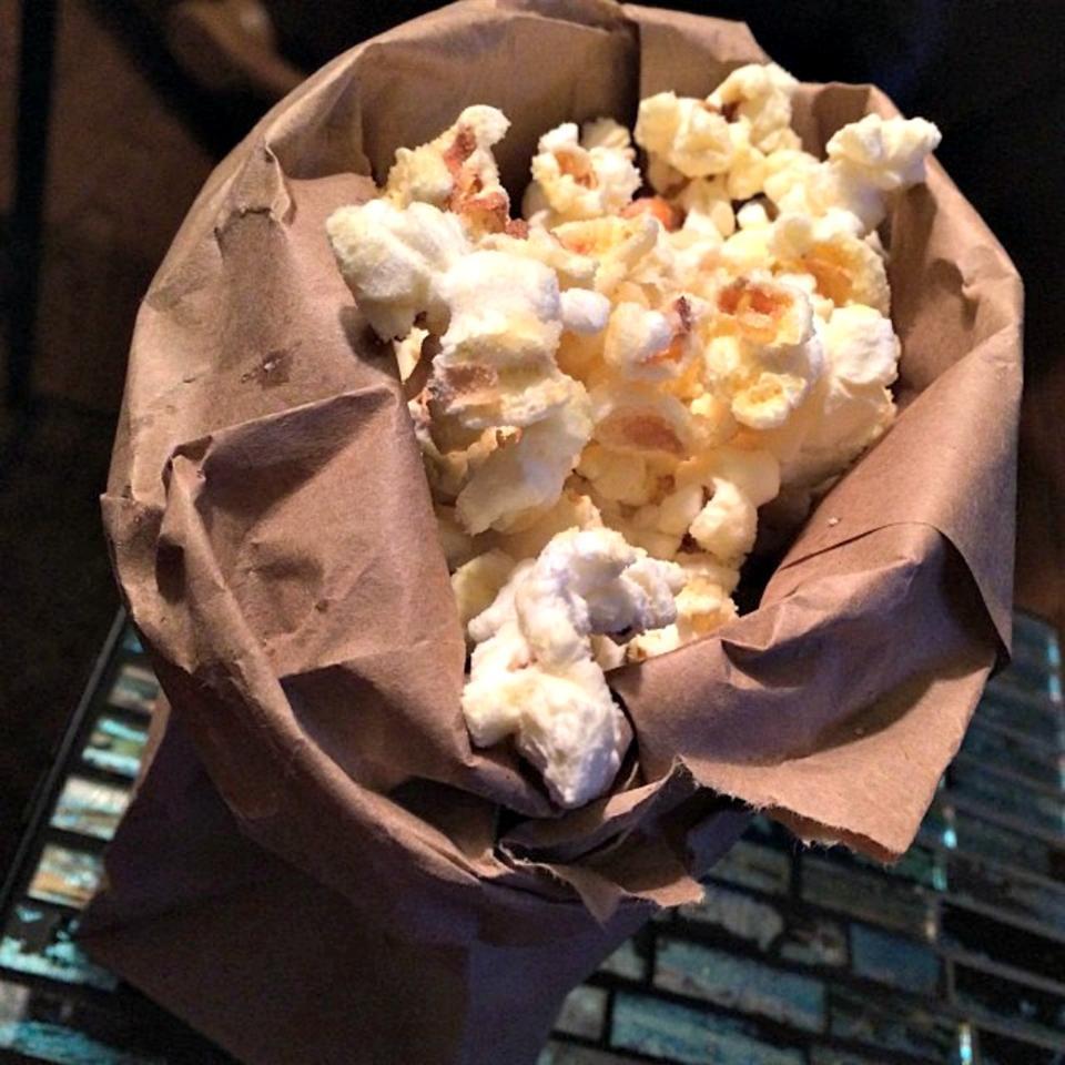 Garlic Bread Popcorn lovestohost