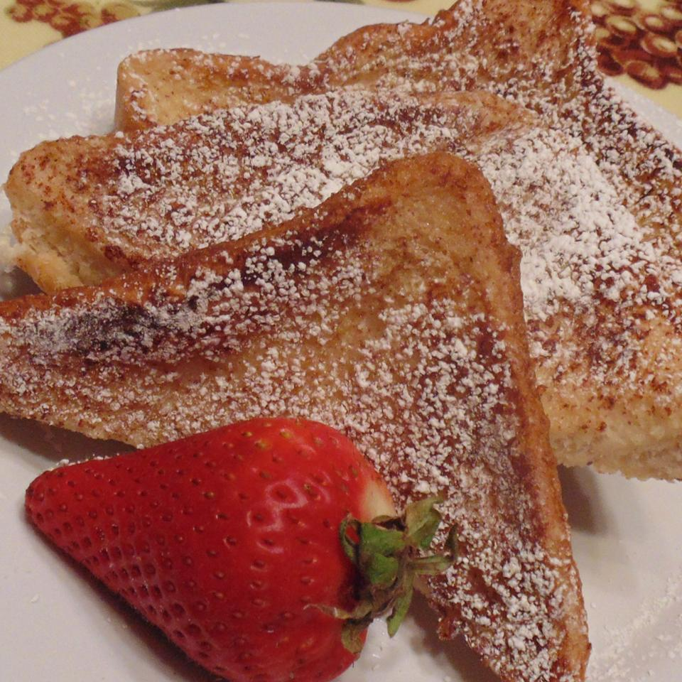 Incredibly Sweet and Aromatic French Toast Christina