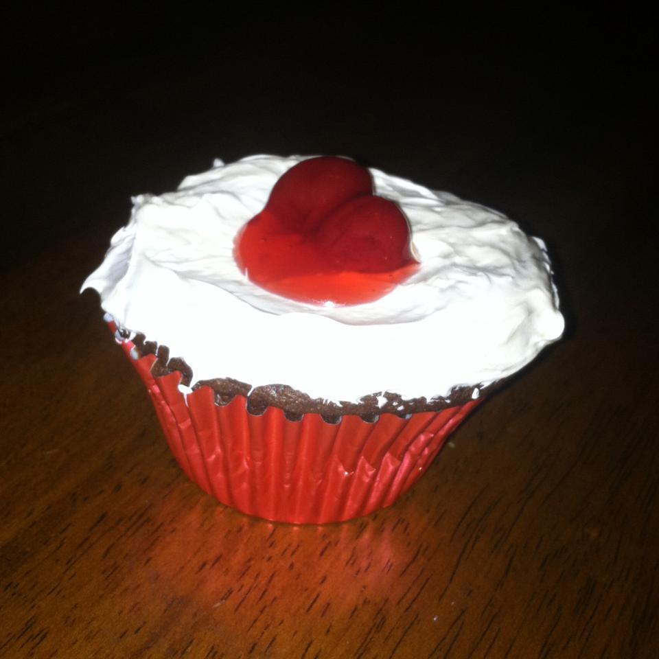 PHILLY Blackforest Stuffed Cupcakes loryn2go