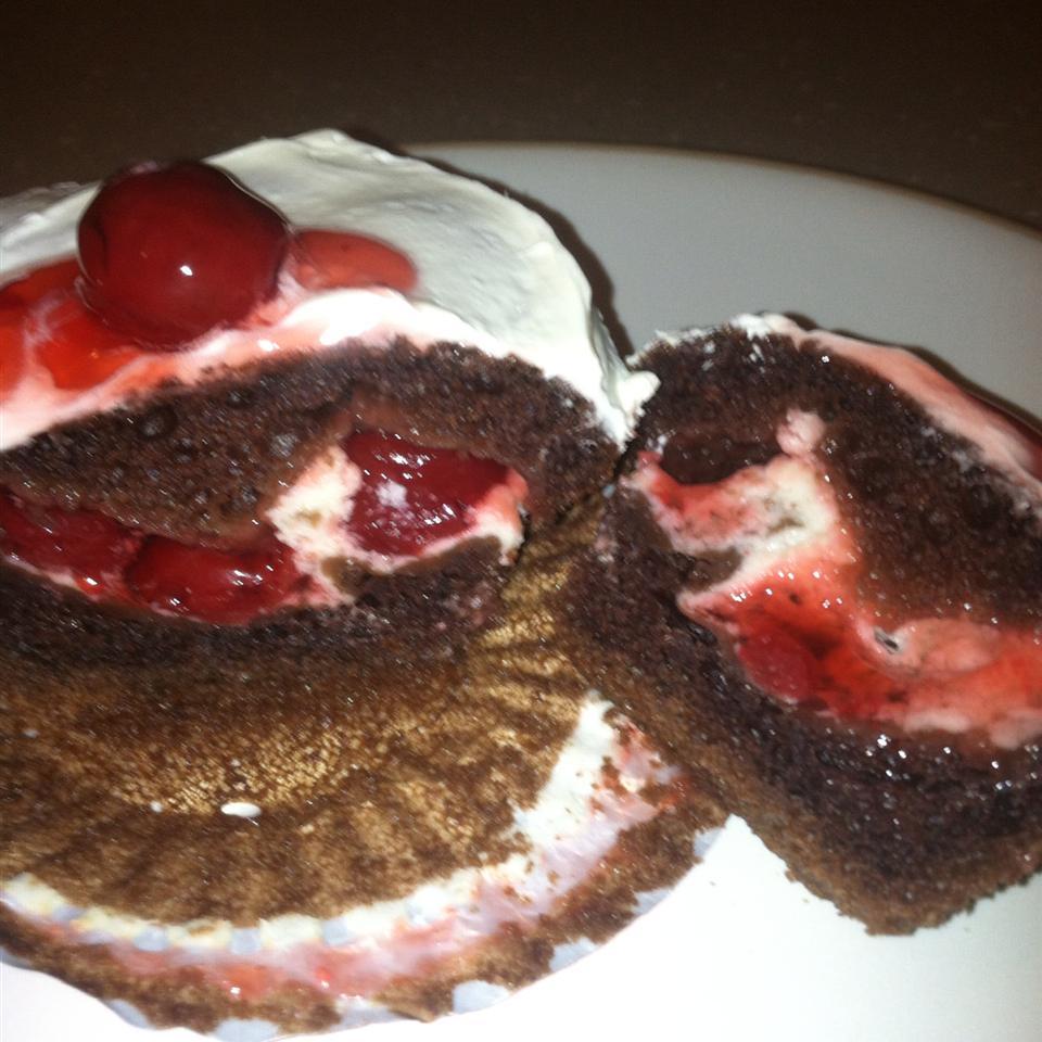 PHILLY Blackforest Stuffed Cupcakes