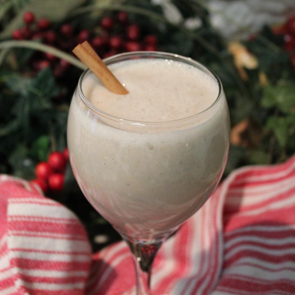 Quick Banana Milkshake (Ice Cream Free)