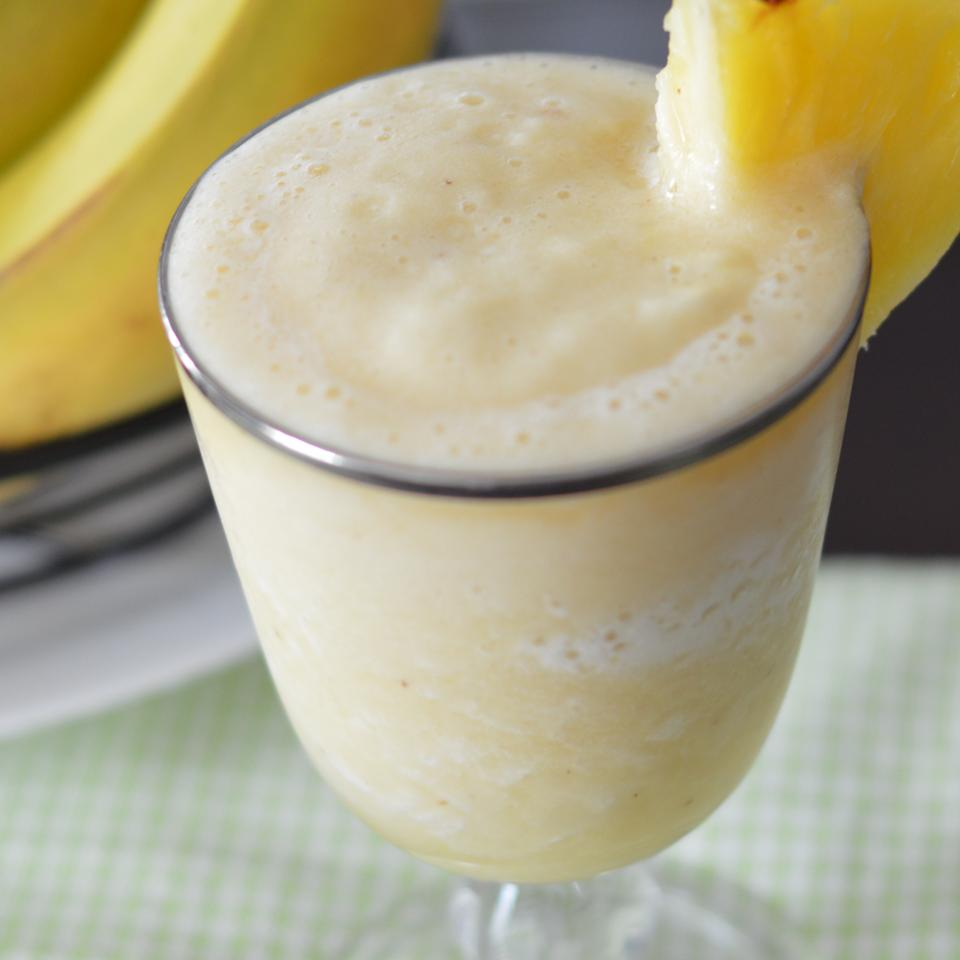 Pineapple and Banana Smoothie VERITY78