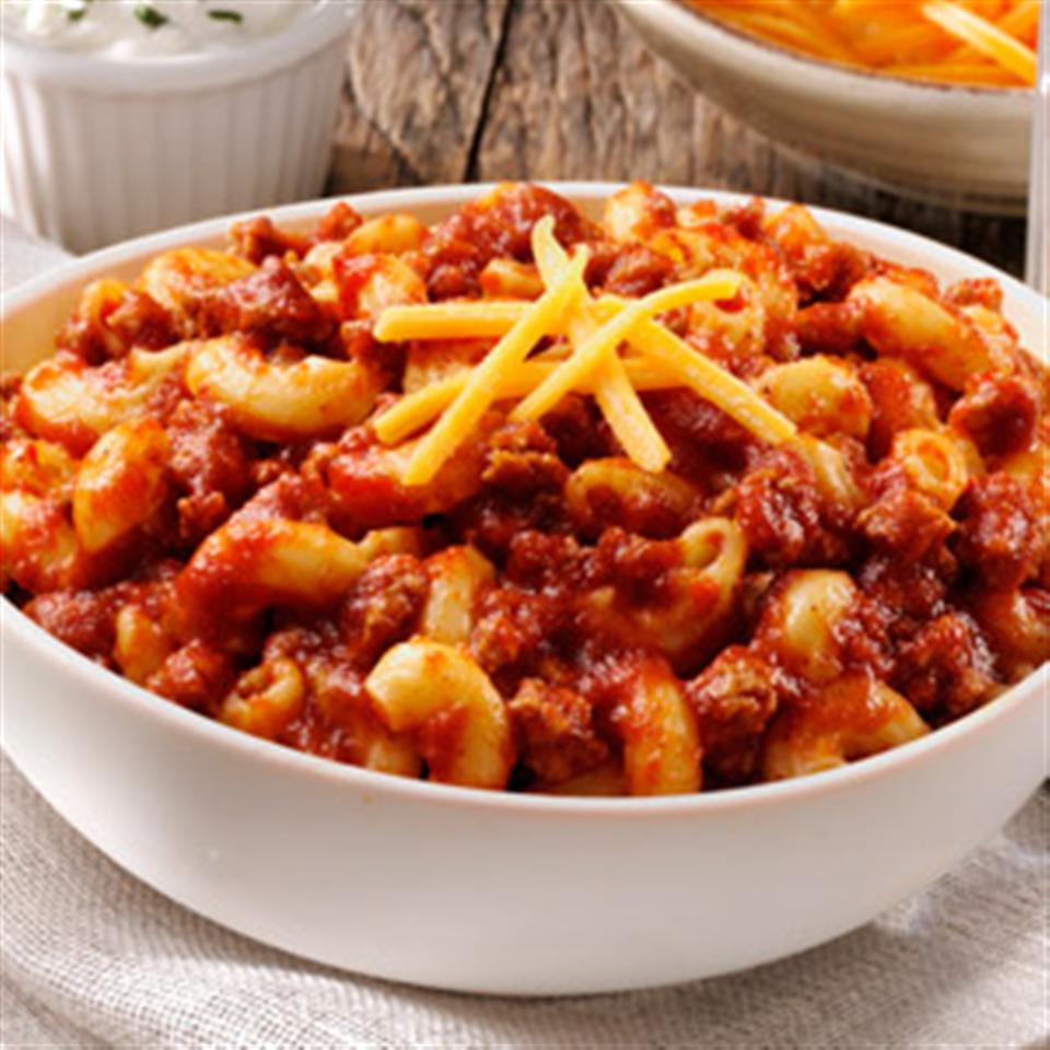 RAGÚ® Family Favorite Chili Mac Trusted Brands