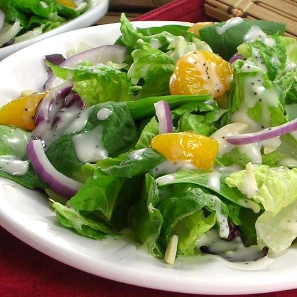 Spinach Salad with Poppy Seed Dressing DIZ♥