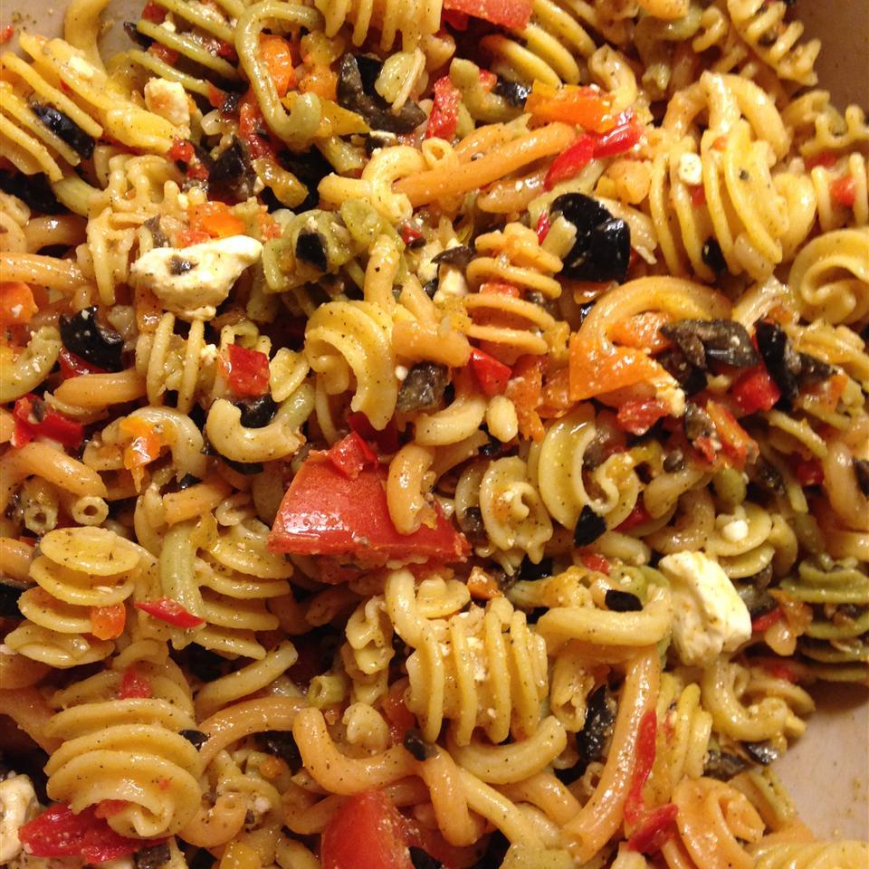 Three Pepper Pasta Salad mabeanieshep