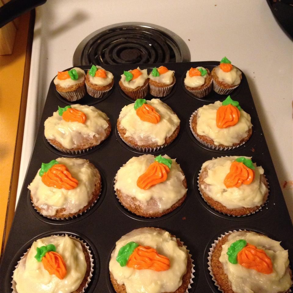 Carrot Cake Cupcakes with Cream Cheese Icing Kimiecub