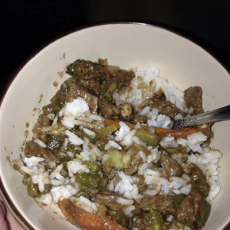 Beef Stir-Fry with Peanut Sauce pandapirate08