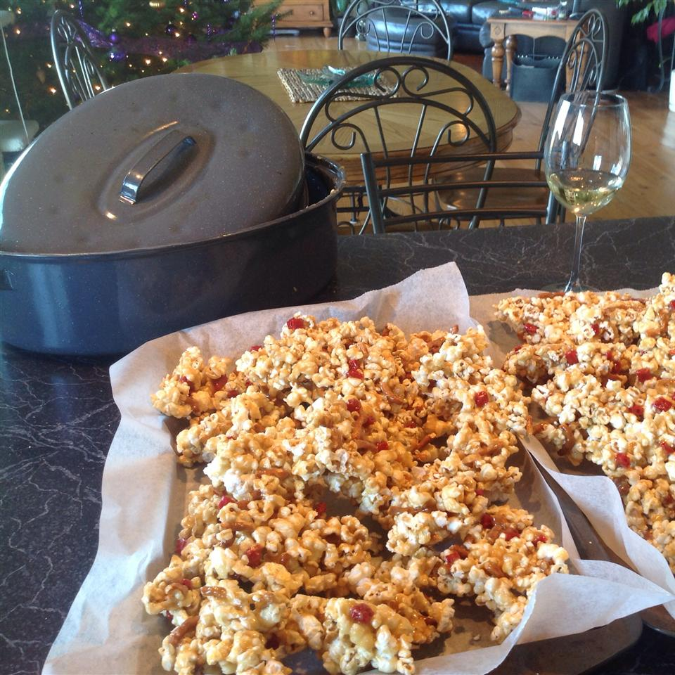 Lovely Lisa's Sweet and Salty Caramel Popcorn Lisa Marie