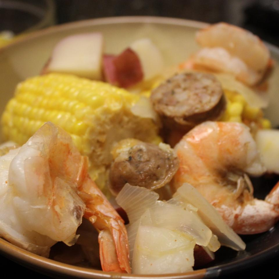 SC Frogmore Stew mommyluvs2cook