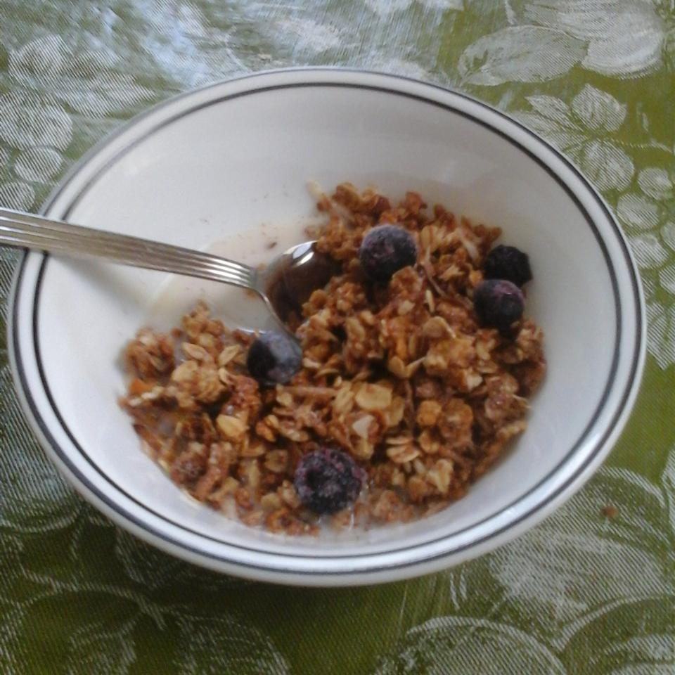 Easy Cranberry Granola missrochester