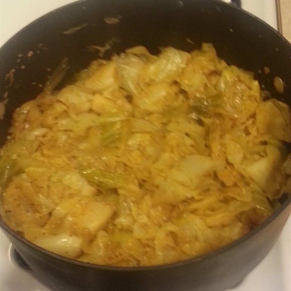 Fried Cabbage with Bacon, Onion, and Garlic Roz Simms