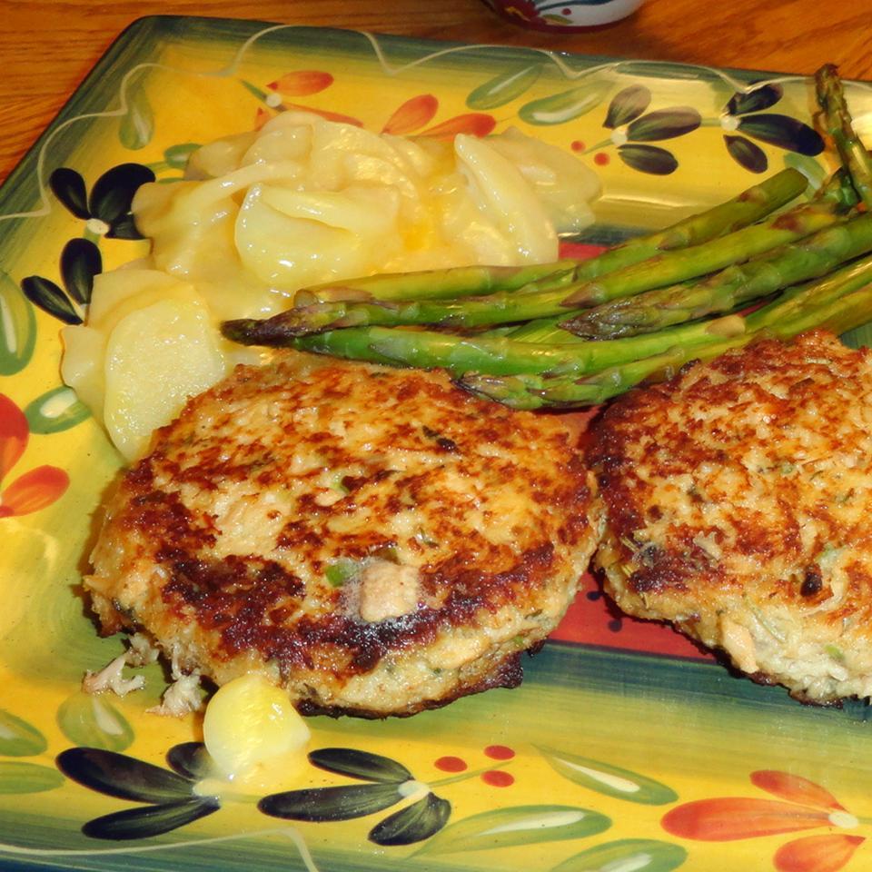 Salmon Rosemary Burgers DebbyJean