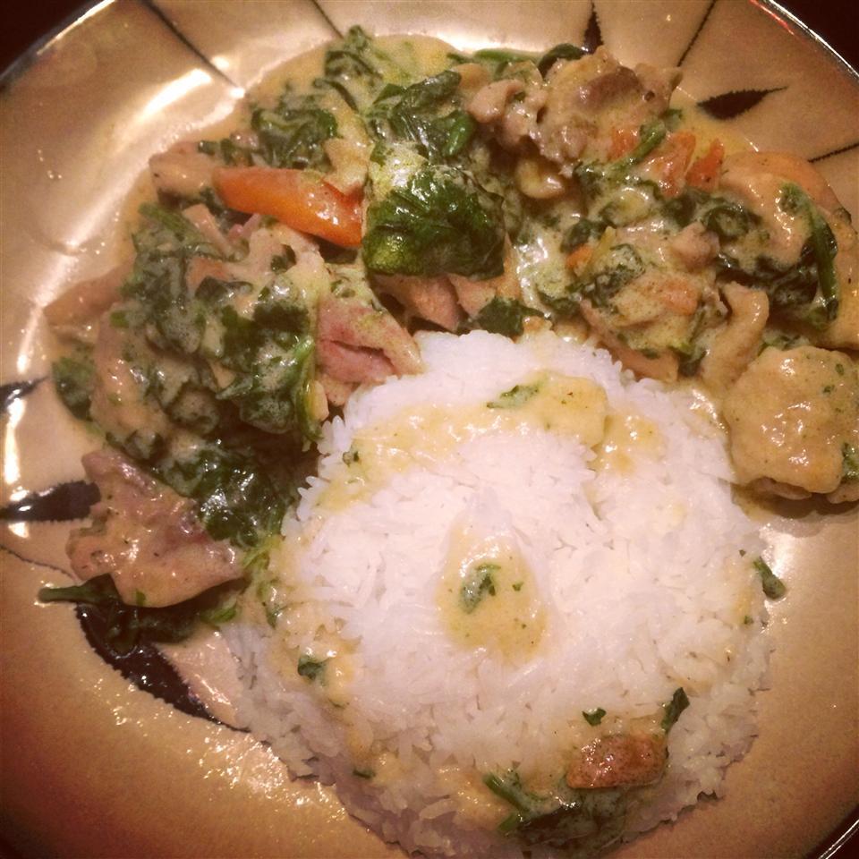 Ginataang Manok (Chicken Cooked in Coconut Milk) CeenaSimon