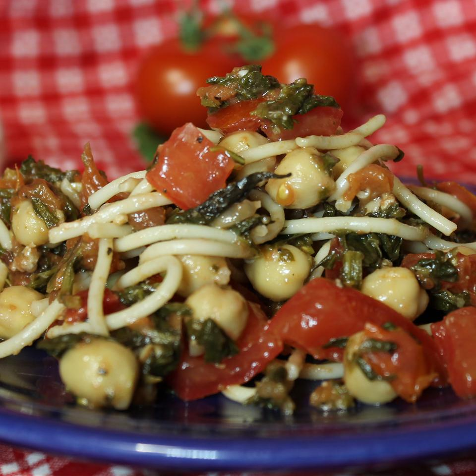 Pasta with Spinach and Chickpeas Joey Joan