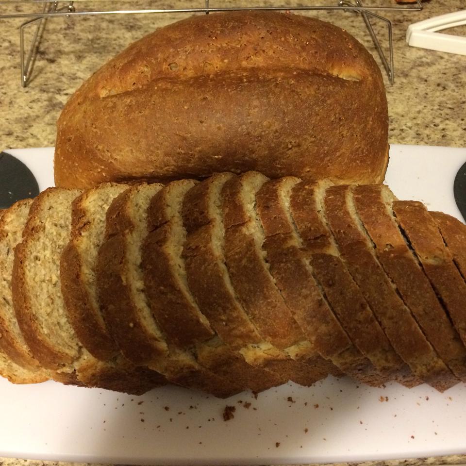 Bread Machine Honey-Oat-Wheat Bread Trae