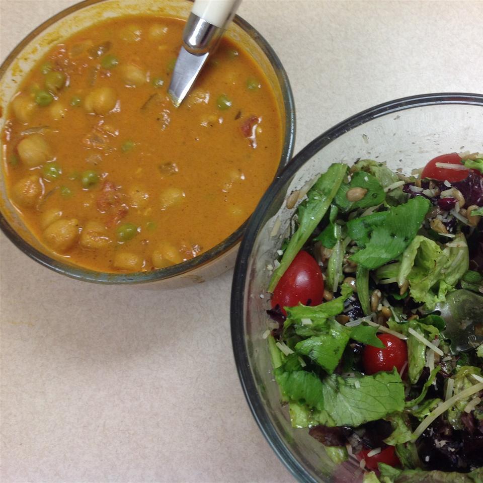 Chana Masala (Chickpeas and Tomatoes)