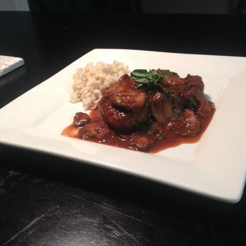 Beef Medallions with Caramelized Pan Sauce cat_ink