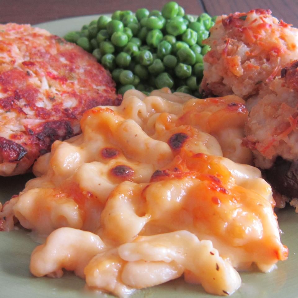 VELVEETA® Down-Home Macaroni and Cheese
