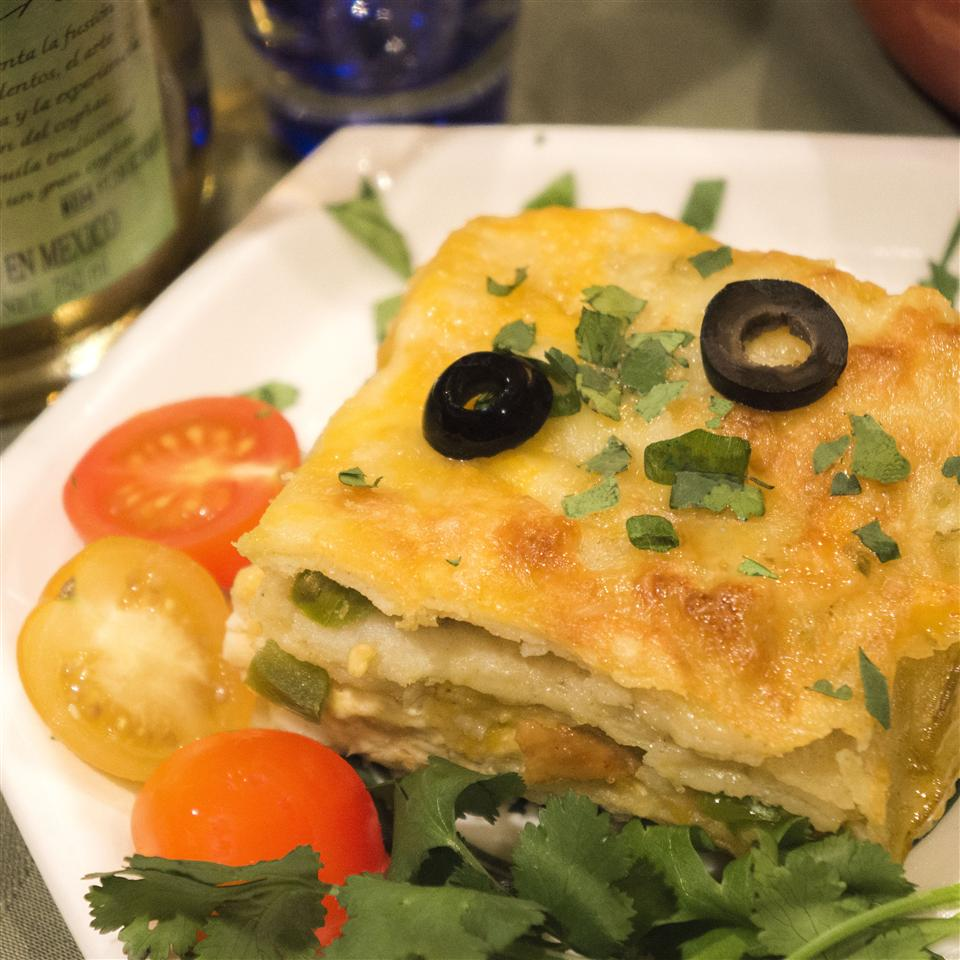 Quick and Easy Green Chile Chicken Enchilada Casserole RB46
