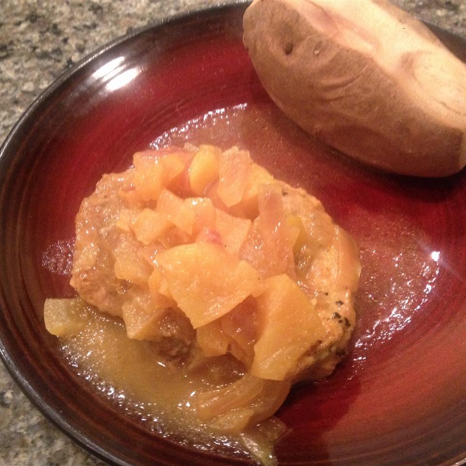 Pork Chops with Apple Curry Sauce Tracy Browske Bilhorn