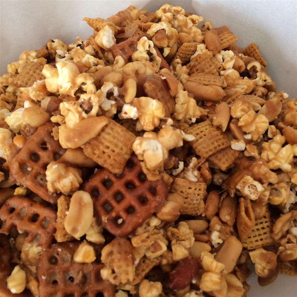 Caramel Corn and Pretzel Mix