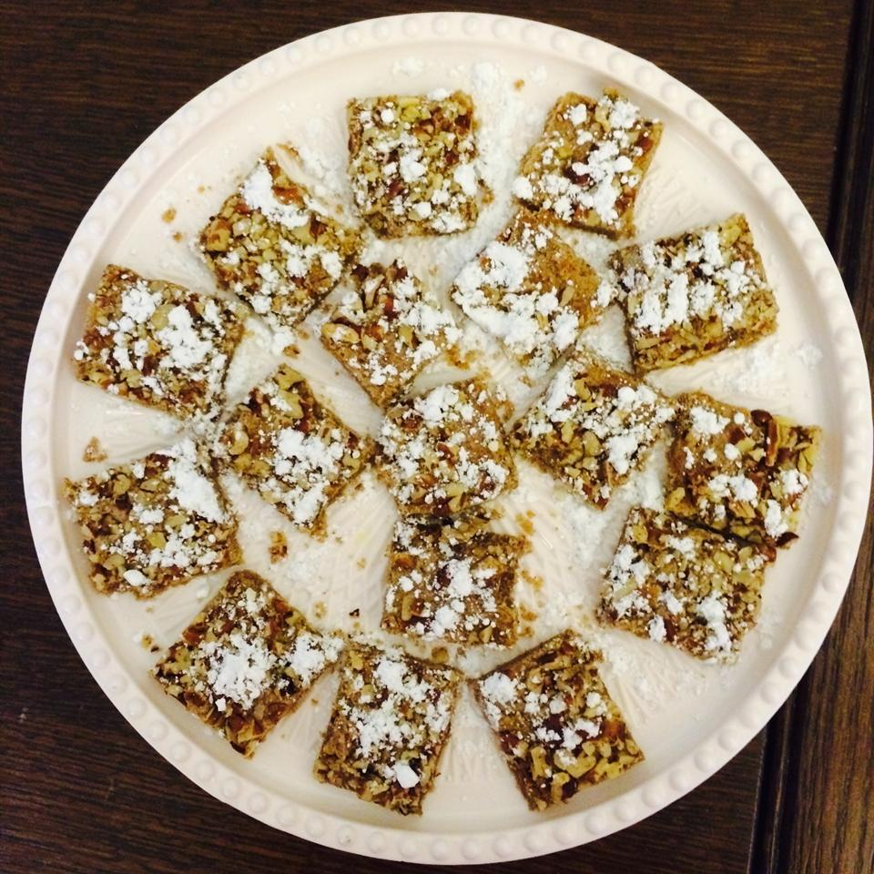 Cinnamon Pecan Cookie Bars