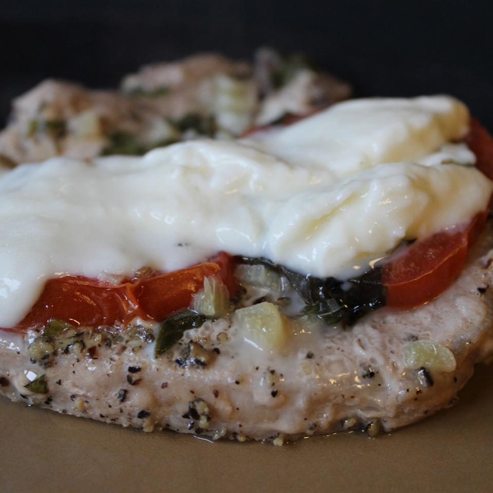 Amazing 'Pizza' Pork Chops mommyluvs2cook