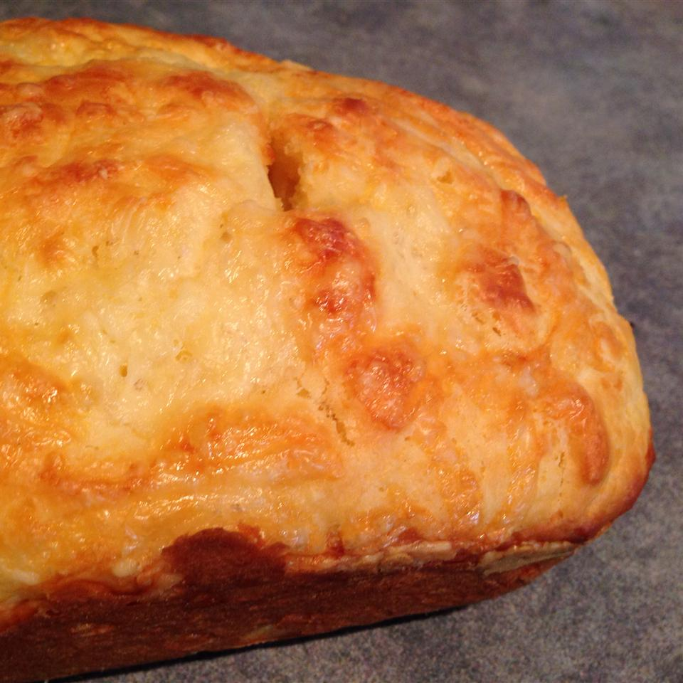 Quick and Easy Cheese Bread twy