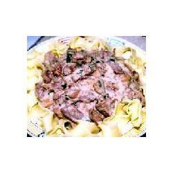 Daria's Slow Cooker Beef Stroganoff Carrie Magill