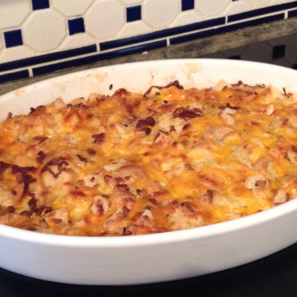 Cheesy Bacon and Egg Brunch Casserole Ivelisse