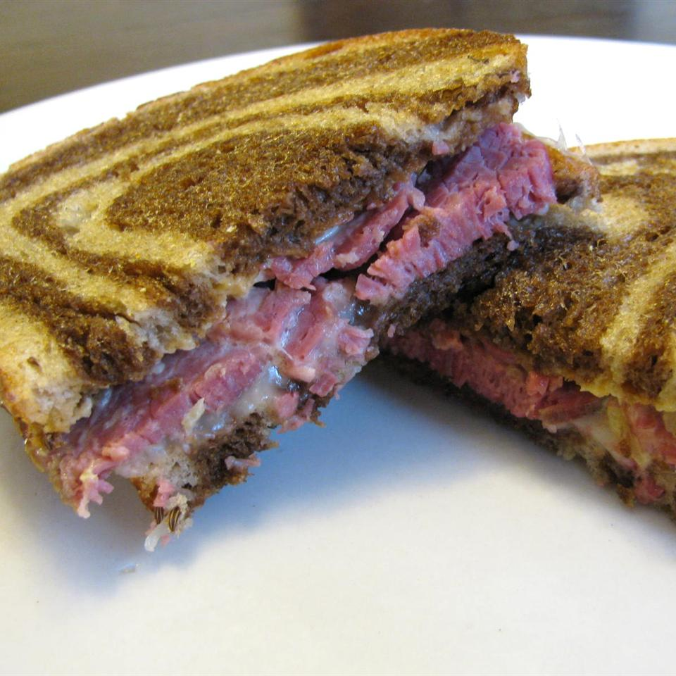 Slow Cooked Corned Beef for Sandwiches