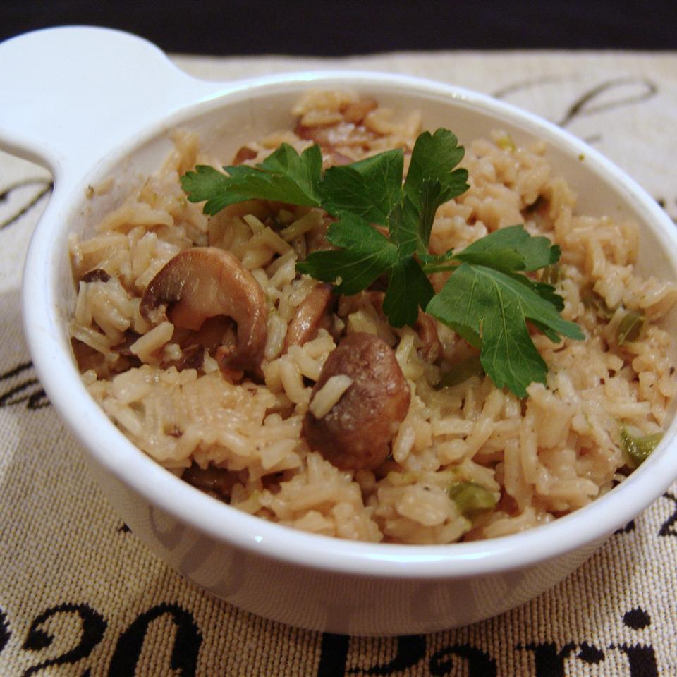 Fresh Mushroom Rice Pilaf Happyschmoopies
